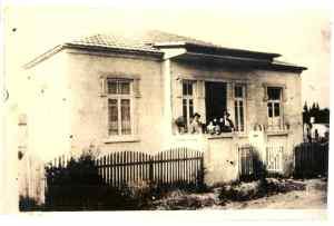 צבי בבית בשכונת מונטיפיורי